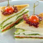 Сэндвич с моцареллой Sandwich with mozzarella